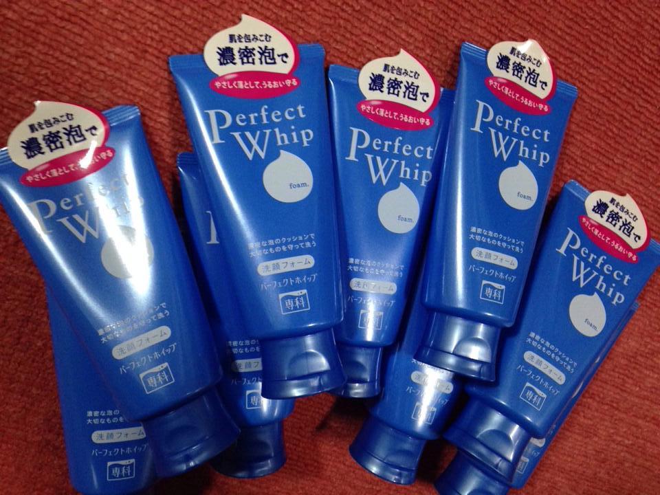 Sua rua mat Shiseido Perfect Whip